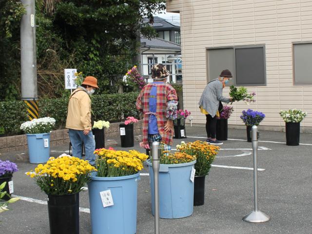 一宮会館花市場風景